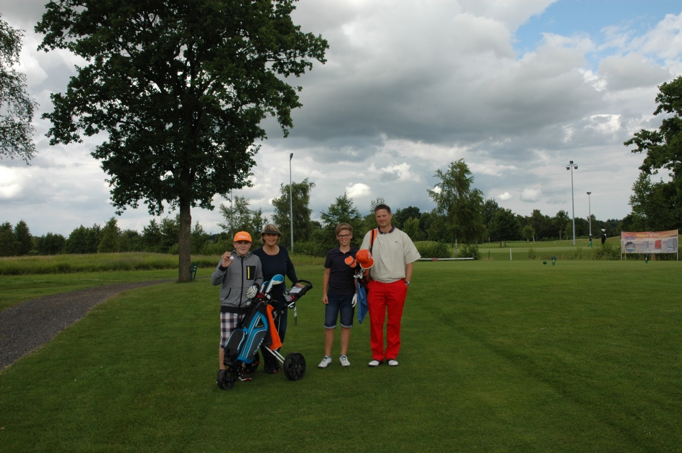 Kids-_and_Caddies-_11